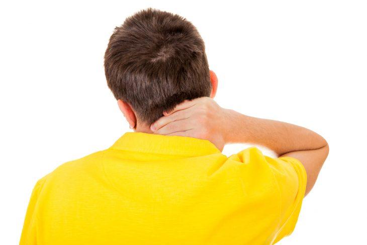 Боли при шейном, грудном и поясничном остеохондрозе: причины и лечение