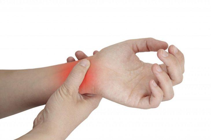 Что делать при судорогах кистей рук