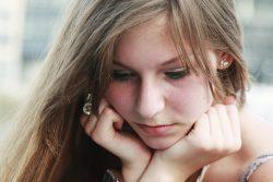 Псориаз волосистой части головы: лечение и обзор препаратов