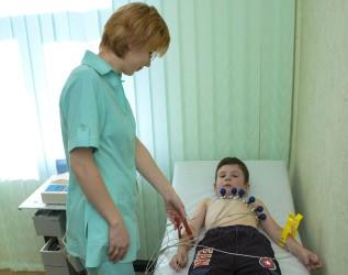 Синусовая аритмия у ребенка: что это такое и что делать?
