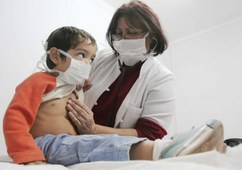 Менингококковая инфекция у детей: симптомы, лечение и профилактика
