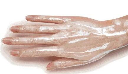Почему трескается кожа на руках?
