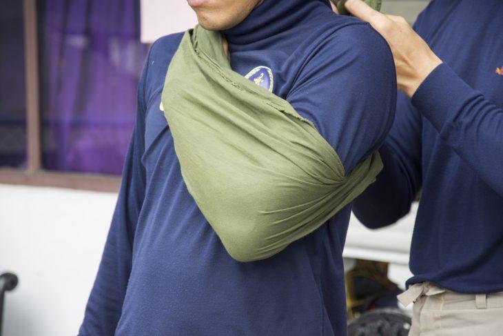 Травма плеча и плечевого сустава: первая помощь