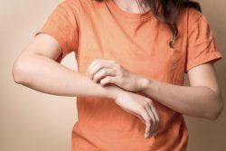 Аптечные и домашние средства для отпугивания комаров