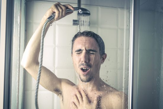 10 причин считать холодный душ полезным для здоровья