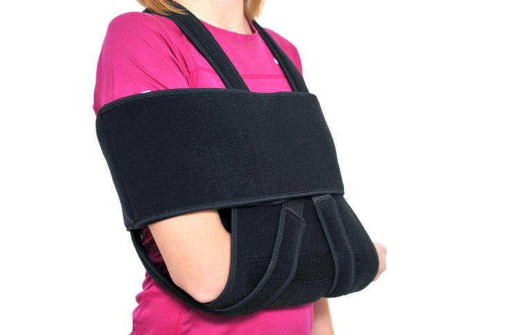 Перелом лопатки — симптомы, первая помощь и лечение