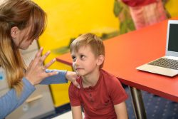 Топ-20 самых частых ошибок родителей в воспитании детей