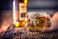 Алкогольный делирий: симптомы, как лечить