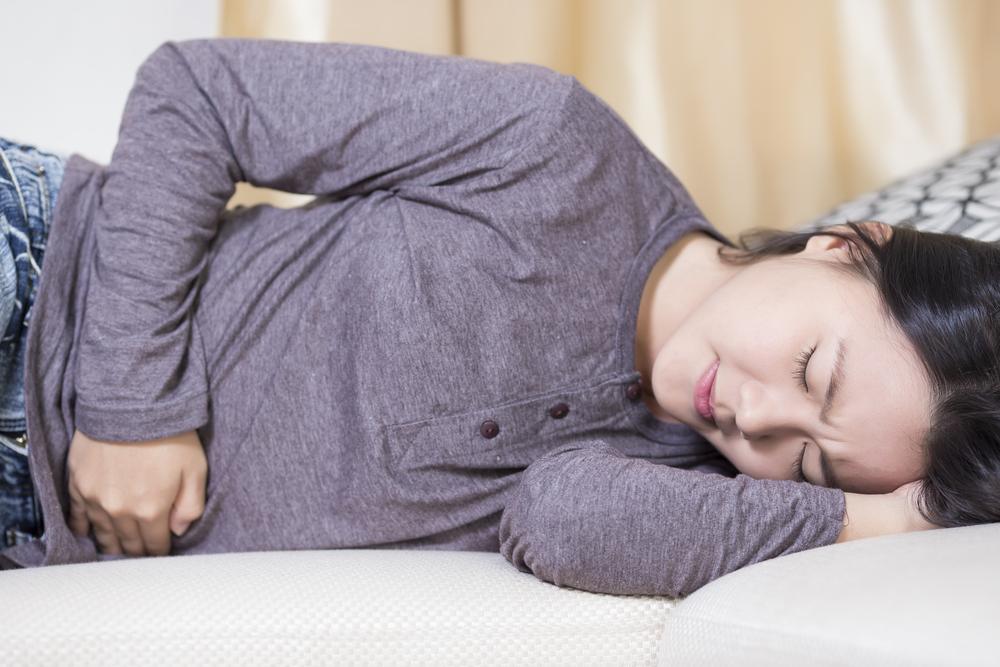 Признаки заболевания желудка у женщин симптомы