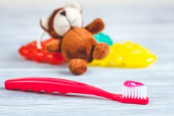 Как выбрать зубную щетку для ребенка?