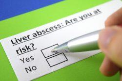 Бактериальный абсцесс печени: причины, признаки, тактика лечения