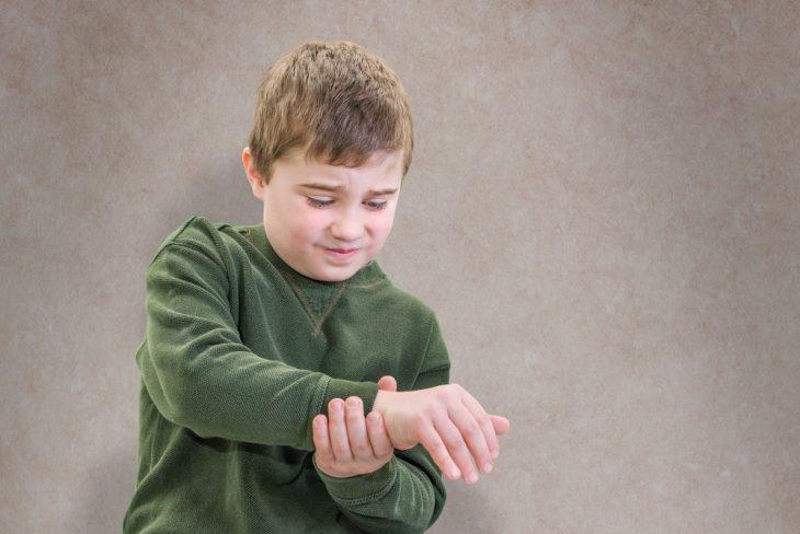 Артрит у детей симптомы