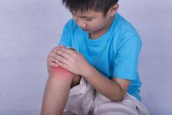 Ревматоидный артрит у ребенка: симптомы и лечение