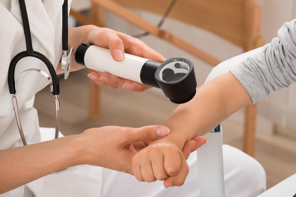 Папиллома в ухе и методы ее лечения