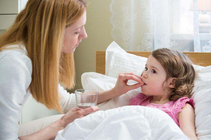Полная характеристика артрита коленного сустава у детей классификация симптомы лечение