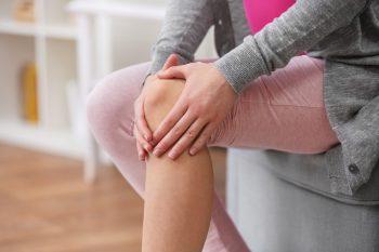 Суставная жидкость недостаток причины симптомы реферат по массажу при заболеваниях суставов