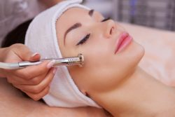 Осенние косметологические процедуры — рекомендации опытного косметолога