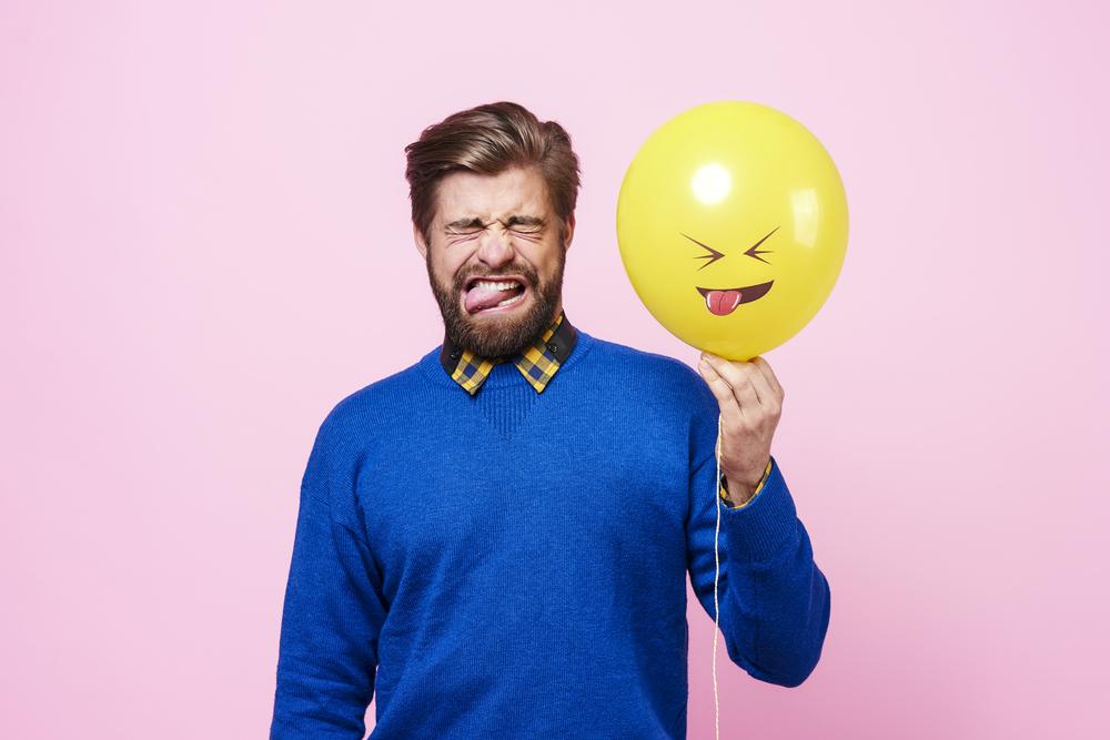 Неприятный привкус во рту – причины, лечение