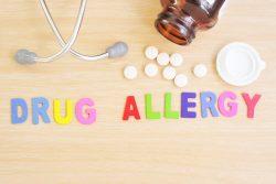 Лекарственная аллергия: причины и характерные симптомы