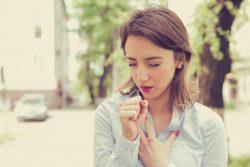 Астматический бронхит: симптомы и лечение