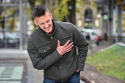Внезапная сердечная смерть: почему возникает, как ее избежать, неотложная помощь
