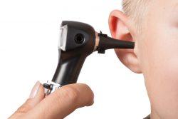 Отоскопия: что это такое, показания, методика проведения